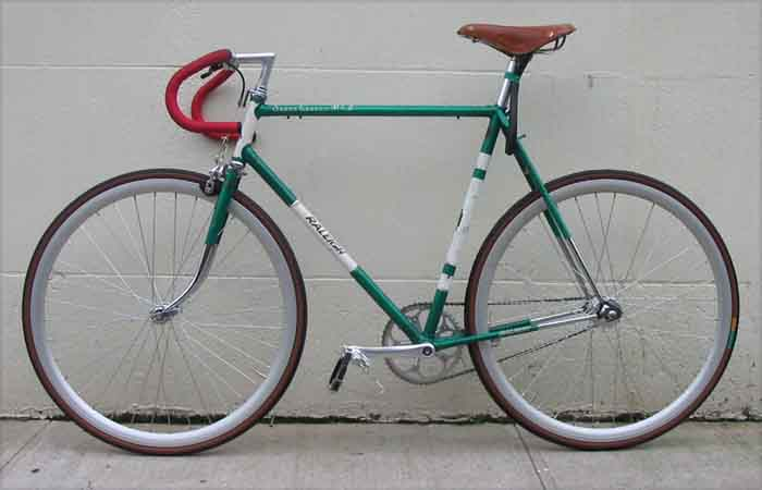 fixed gear bike. II fixed-gear road icycle